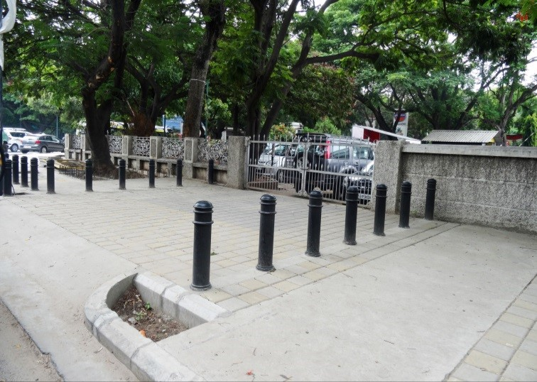 Image result for images of BBMP authorities clear up footpaths in Bluru's major IT sections