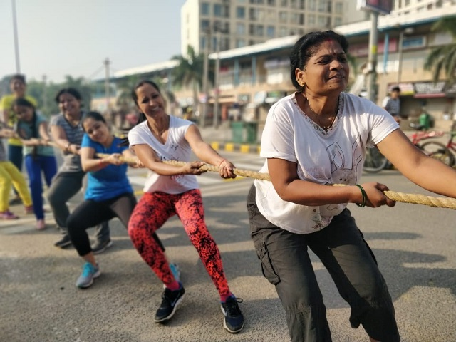 Raahgiri Day brings the community together, offering games such as tug-of-war. Photo by WRI India.