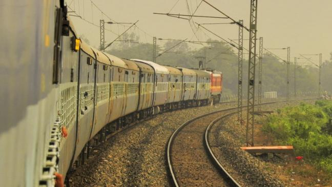 Cheap, clean and easy to install, a solar push by India's railways offers huge potential if deployed effectively. Photo by Smeet Chowdhury/Flickr