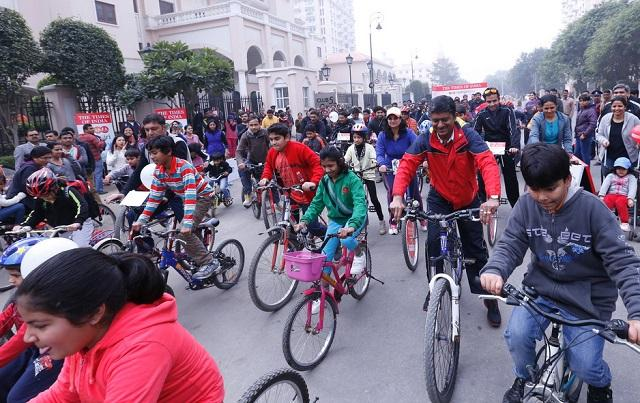 Raahgiri Day demonstrates the power that can be derived from people-oriented streets and cities. This event, which started as a small idea, has transformed cities across India. Gurugram, India, March 2014. Photo by Raahgiri Team Gurugram