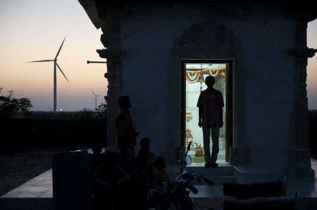 The sun sets in Gujarat. Photo by Danish Wind Industry Association/Flickr