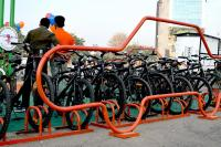 The Seeds for Change project in Gurugram, India, reclaimed four car parking spots to make space for 40 bicycles. Photo by Amit Bhatt/WRI