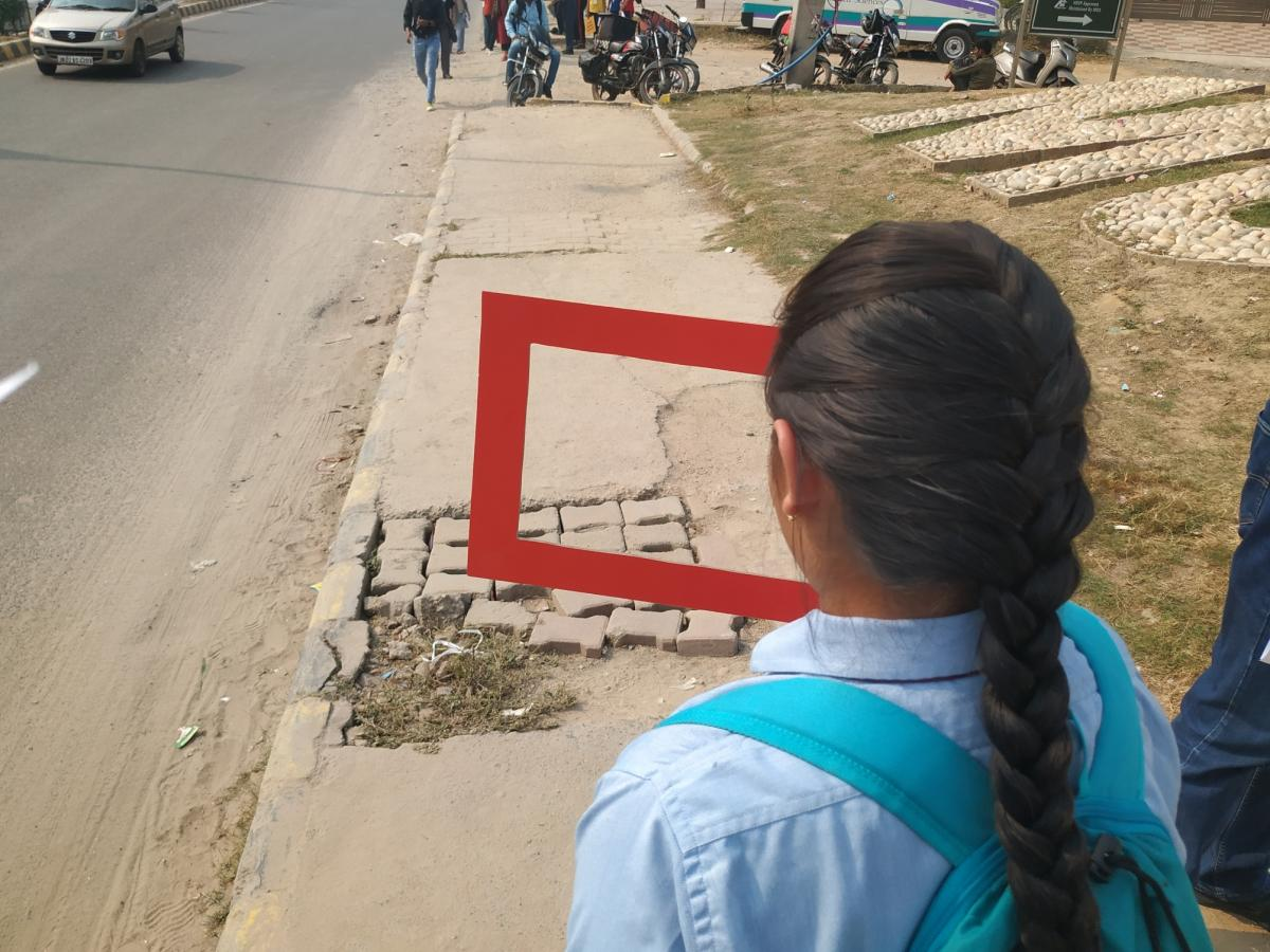 Things that did not work on the road for children were captured in a red frame